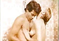 في الهواء الطلق مثلية سكسي كترجم حزام يمارس الجنس مع lexi Belle مثلية المشهد