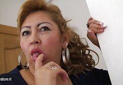 فتاة مع كبير الثدي يحب يجلس افلام سكسي عالمي مترجم الوجه