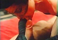 اللياقة البدنية سكسي مترجم عالمي فتاة في أعلى الصالة الرياضية يحصل متعددة النشوة-صنع في الكناري